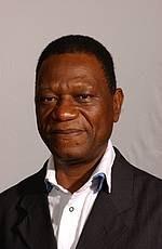 Dr Simon Dossou