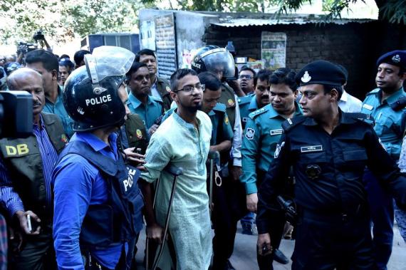 Le 27 novembre 2019, un combattant poursuivi en justice au milieu de mesures de sécurité strictes à Dacca, au Bangladesh. (Stringer/Xinhua)
