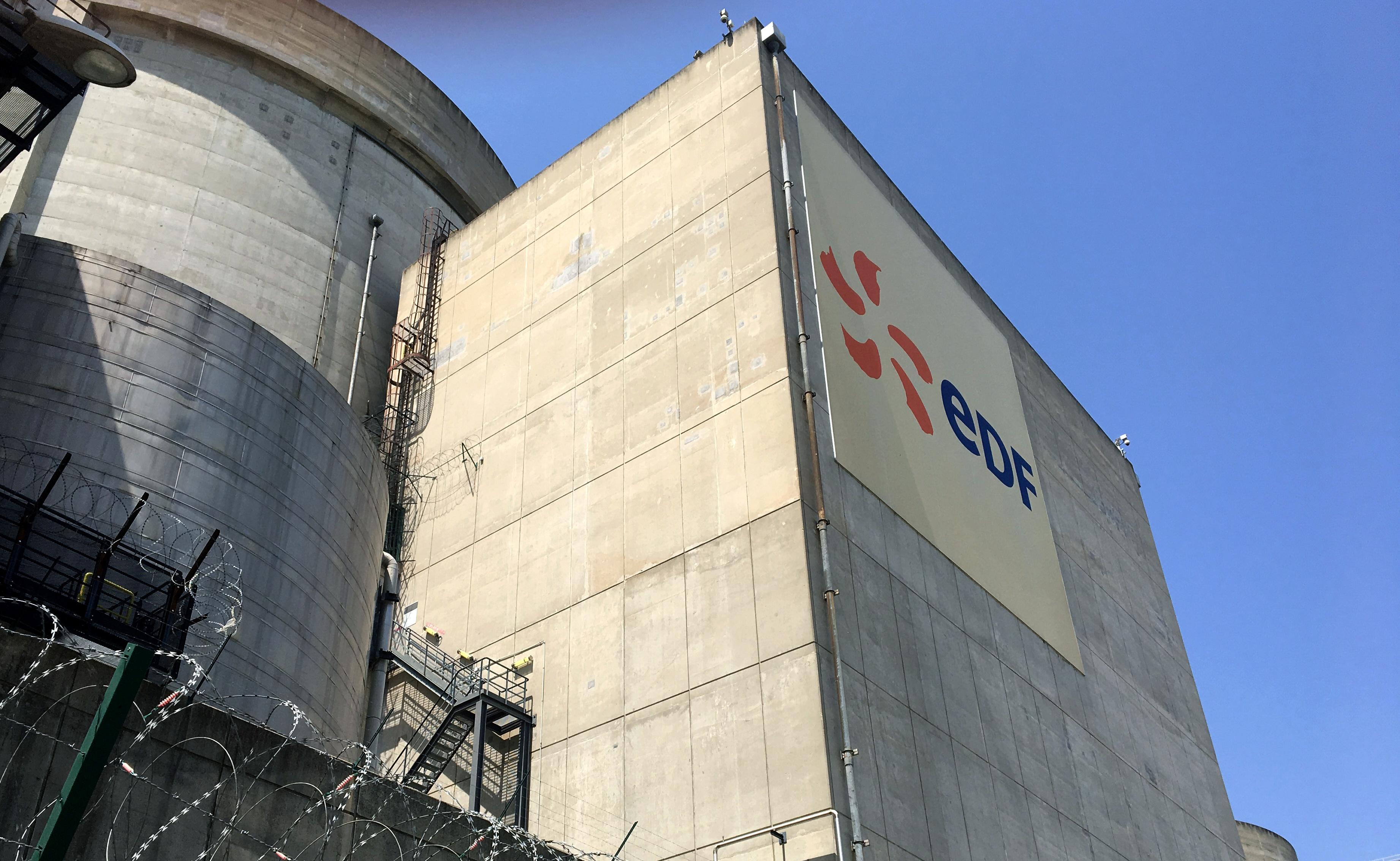 La construction de six nouveaux réacteurs nucléaires de type EPR en France couterait au moins 46 milliards d'euros, d'après les calculs d'EDF. /Photo prise le 27 juin 2019/REUTERS/Benjamin Mallet