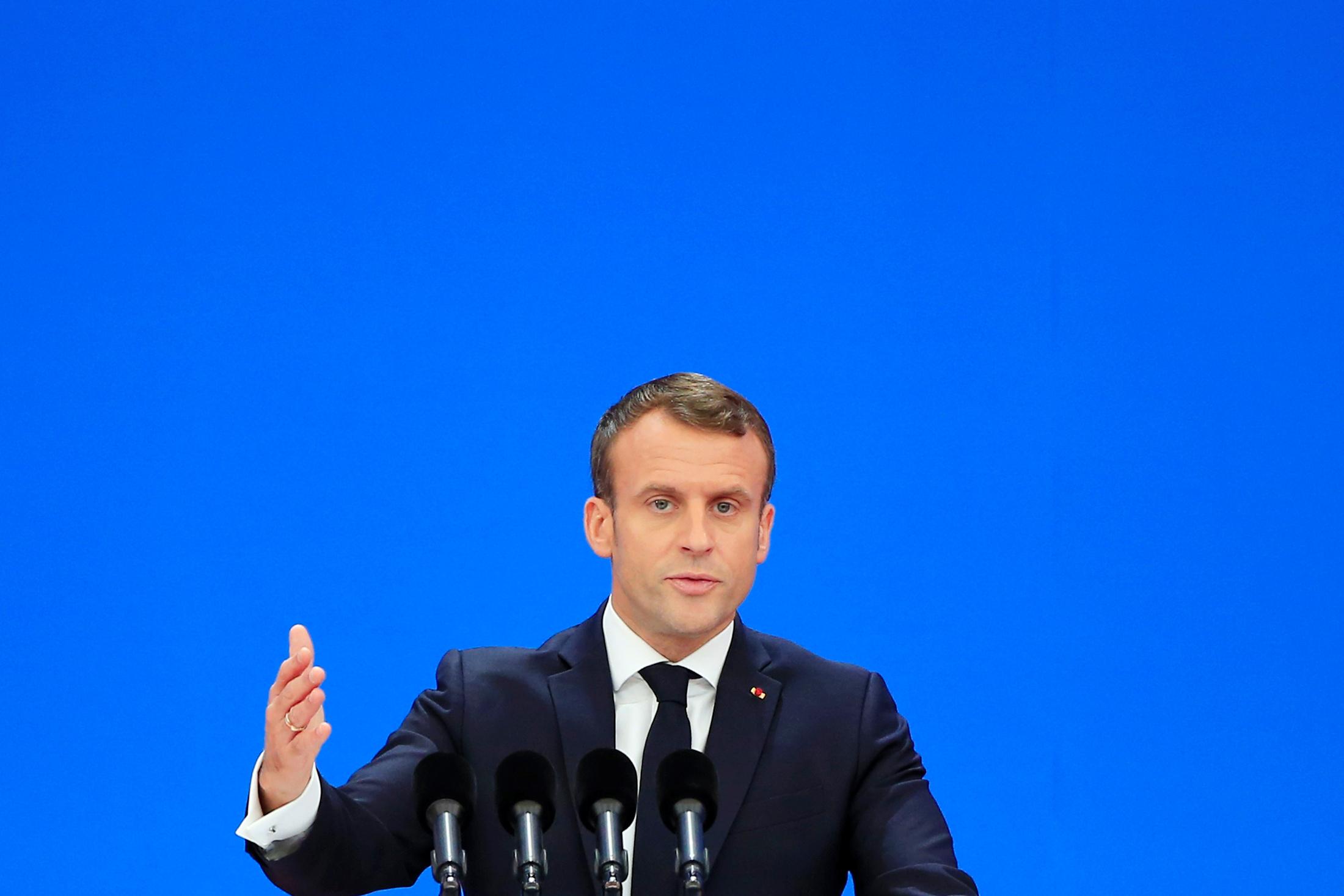 """A un mois du sommet des 70 ans de l'Otan, les propos d'Emmanuel Macron sur une Alliance atlantique en état de """"mort cérébrale"""" provoquent une onde de choc et relancent le débat sur le devenir et la finalité stratégique de l'organisation, déjà sous le coup des critiques répétées de Donald Trump. /Photo prise le 5 novembre 2019/REUTERS/Aly Song"""