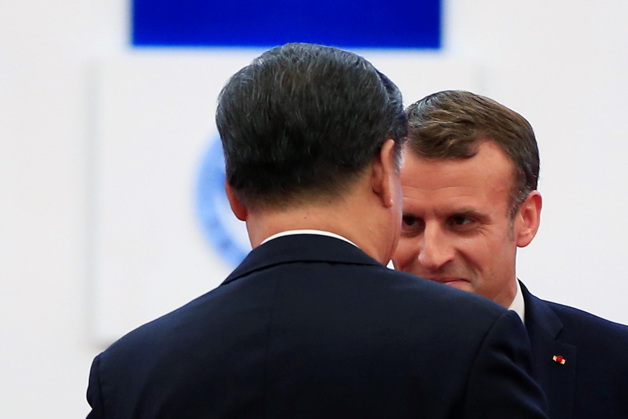 En Chine, Emmanuel Macron déploie des trésors de diplomatie gastronomique pour séduire Xi Jinping
