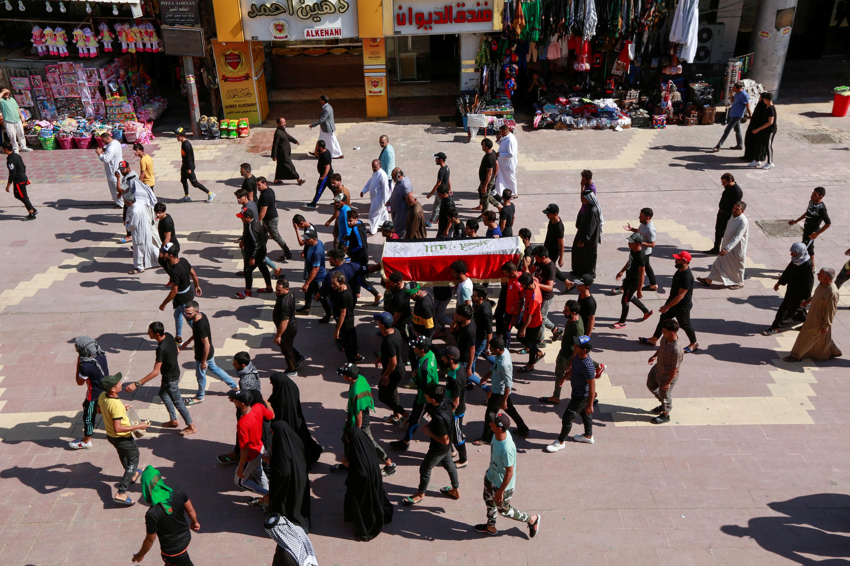 Irak : Les forces de sécurité tuent un manifestant