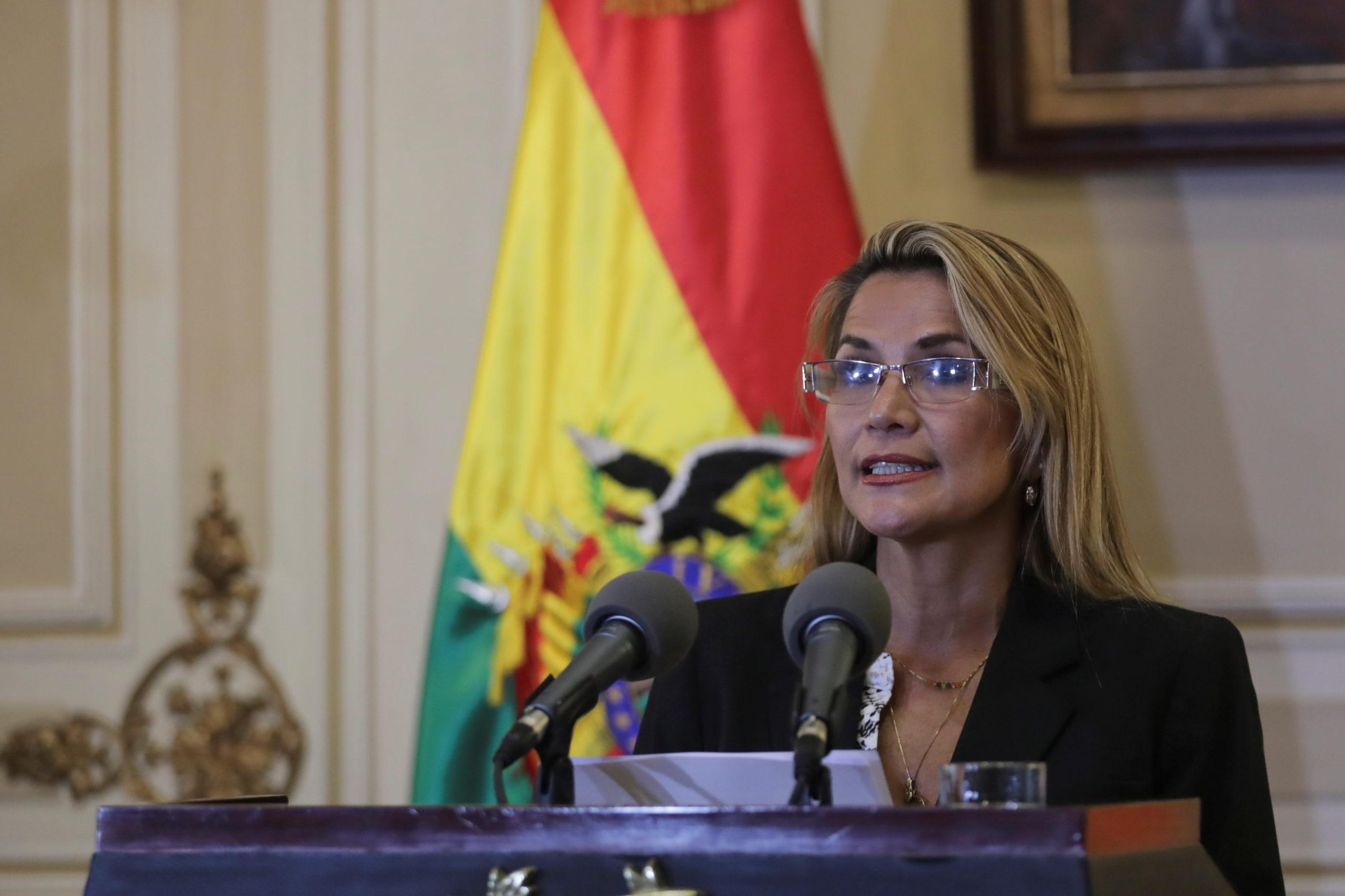 Jeanine Añez promet une nouvelle présidentielle en Bolivie