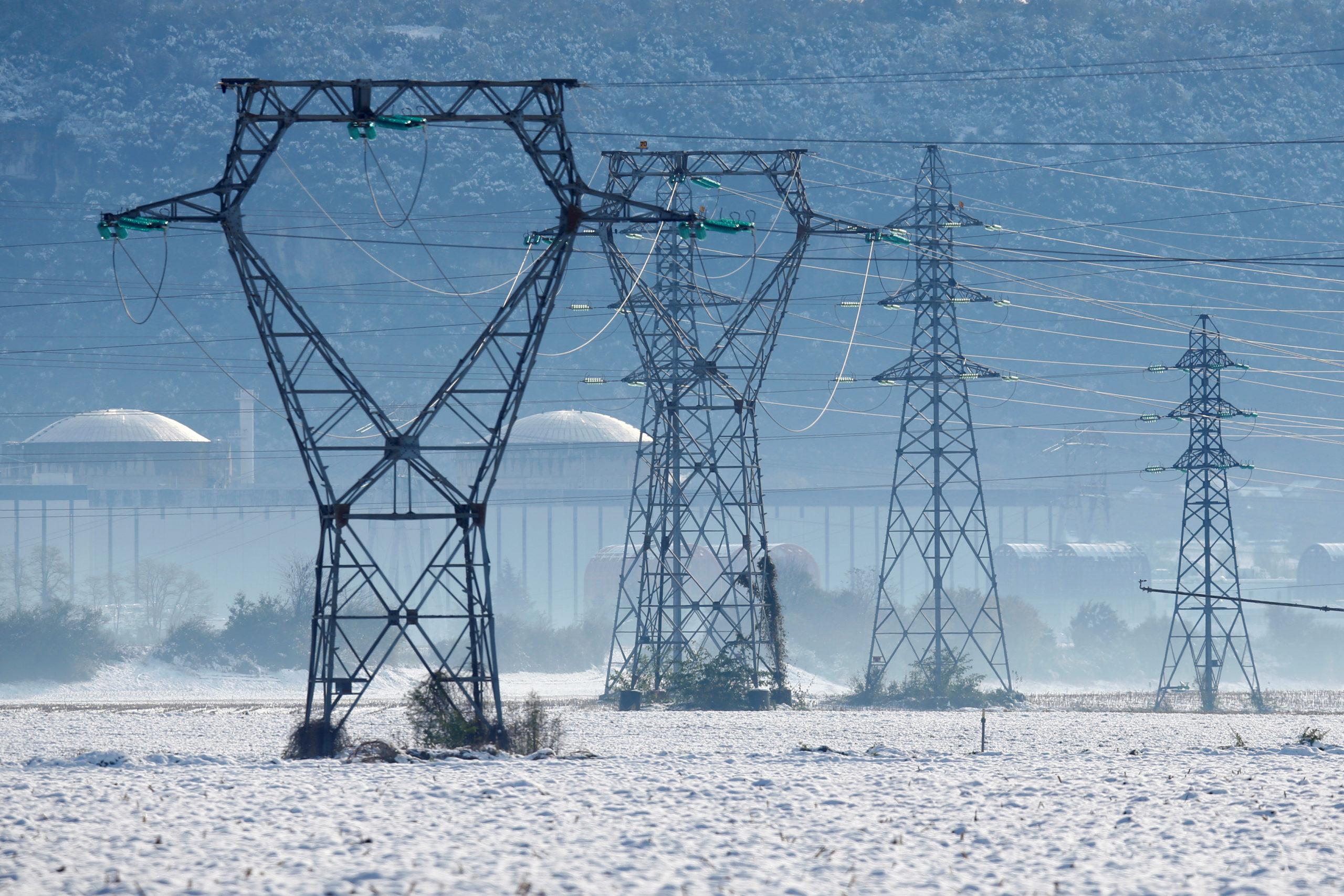 """L'approvisionnement en électricité devrait être assuré cet hiver en France """"à températures de saison"""", estime mercredi RTE, le réseau de transport d'électricité. /Photo prise le 15 novembre 2019/REUTERS/Emmanuel Foudrot"""