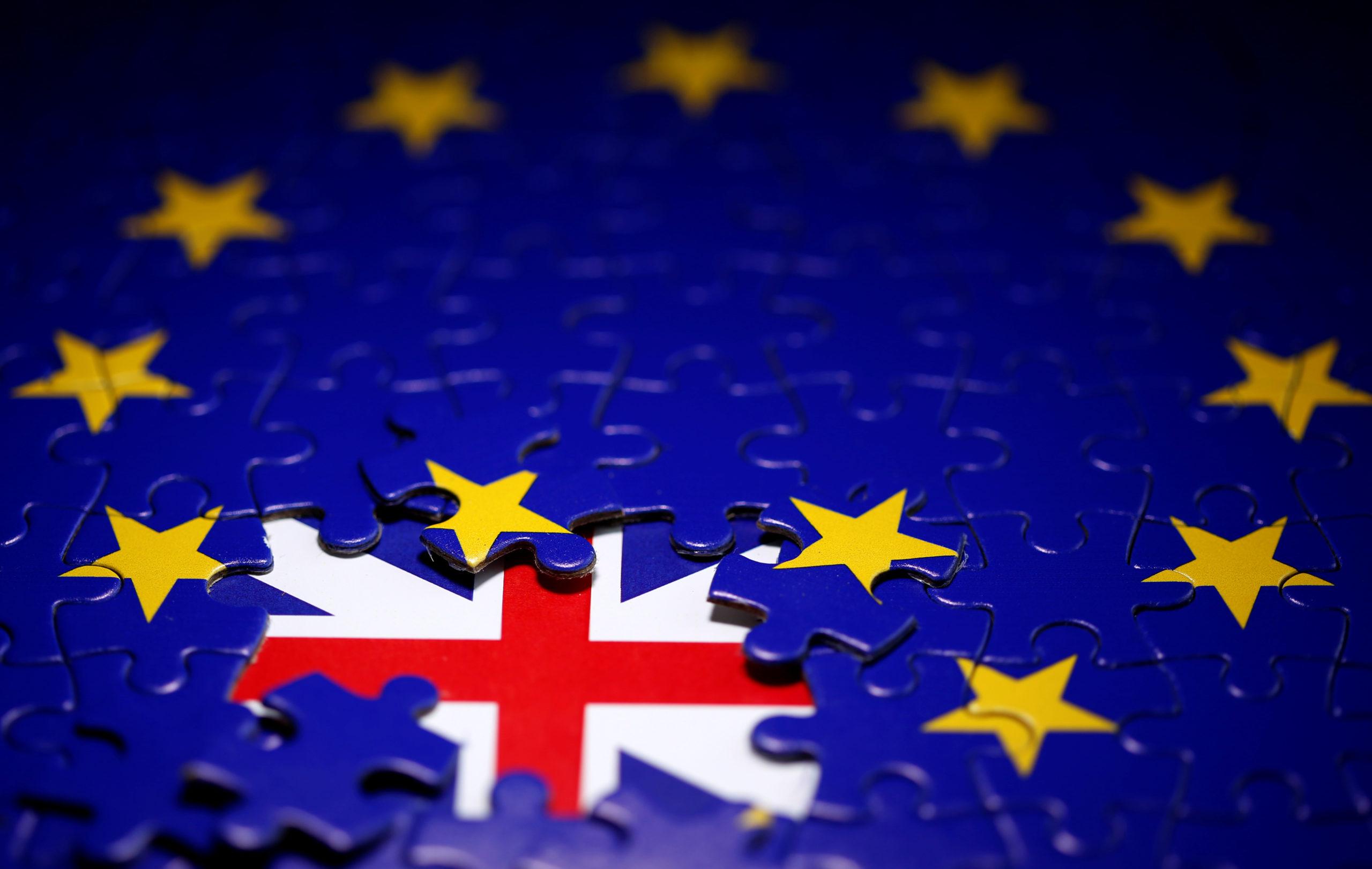 La Grande-Bretagne menace d'expulser les citoyens de l'Union européenne qui n'auront pas demandé à temps le nouveau statut d'immigré qui sera mis en place après le Brexit et elle n'accordera de dérogations qu'à titre exceptionnel, selon des sources informées de ces projets. /Photo prise le 13 novembre 2019/REUTERS/Dado Ruvic