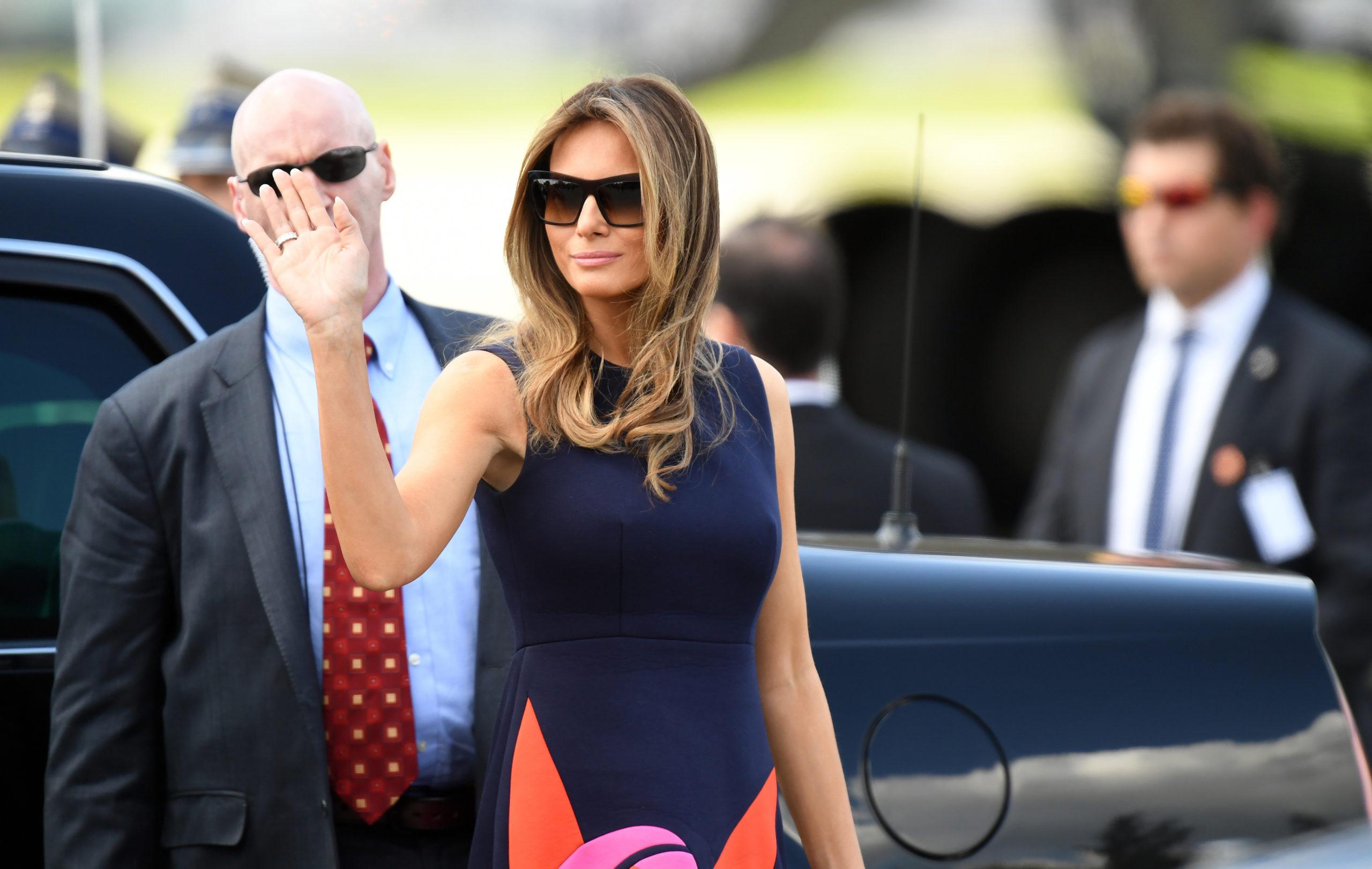 La Première dame des États-Unis, Melania Trump, remet le Prix international du courage féminin 2017 à Cindy Arlette Contreras Bautista, originaire du Pérou. (© Maciej Gillert )