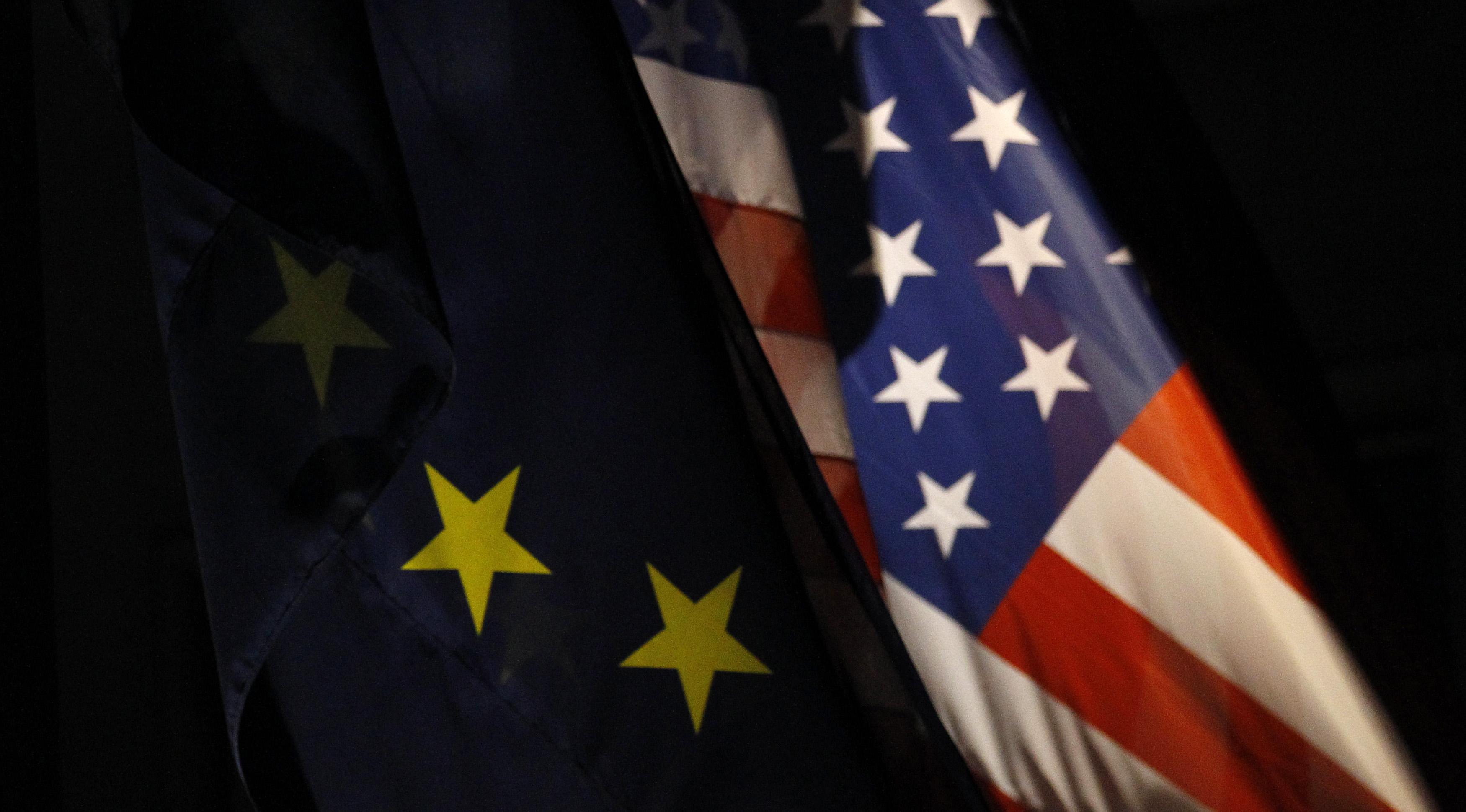 Le conseiller économique de la Maison blanche a prévenu jeudi que l'UE ne devait pas prendre des mesures de rétorsion après que l'OMC a autorisé les Etats-Unis à surtaxer des produits européens dans le cadre du litige sur les subventions au secteur aéronautique. /Photo d'archives/REUTERS/Tobias Schwarz