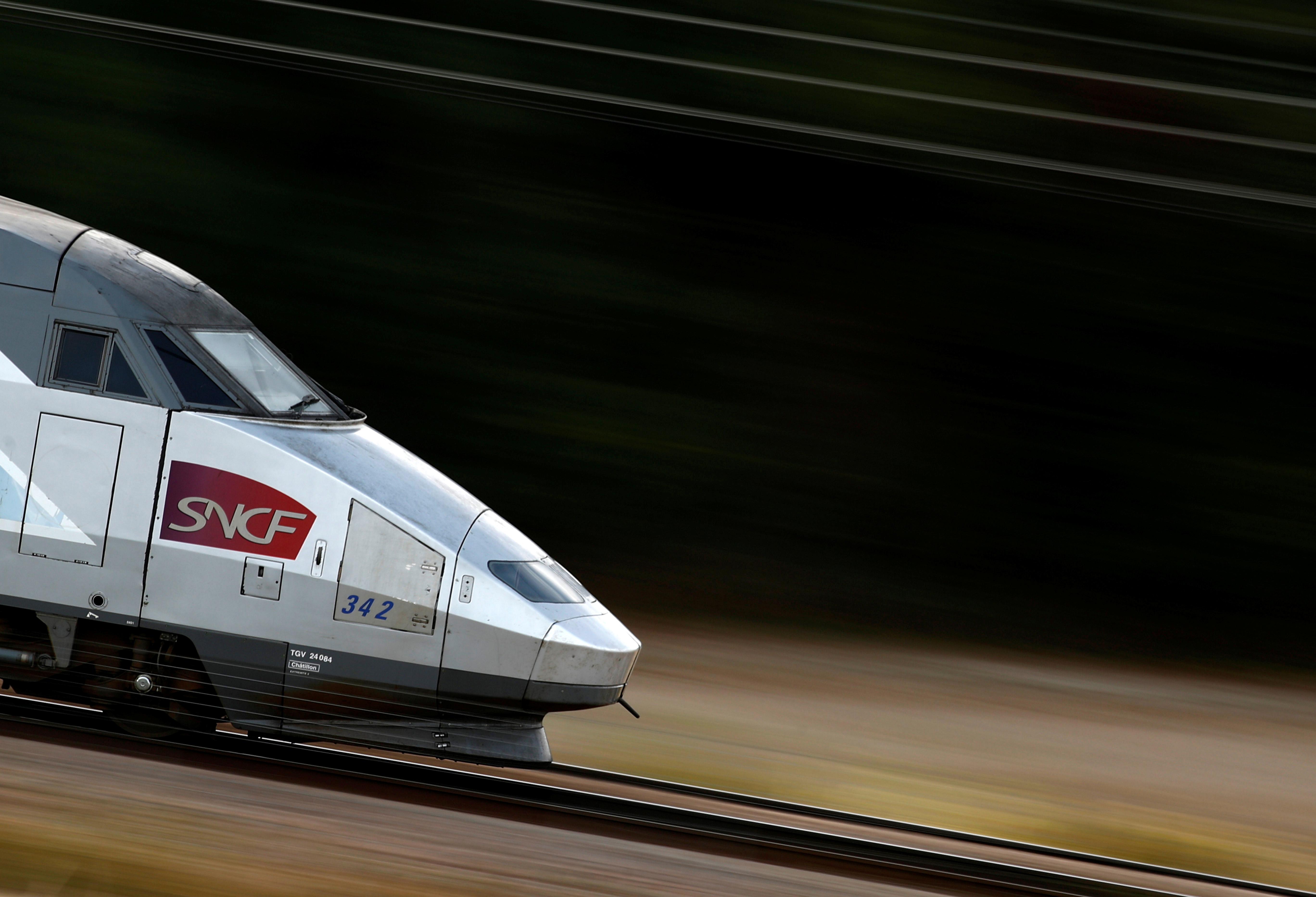 Jean-Pierre Farandou déclare dimanche dans un entretien au Journal du Dimanche (JDD) vouloir renouer le dialogue social au sein de la compagnie ferroviaire confrontée ces dernières semaines à des perturbations de trafic à la suite de mouvements sociaux.