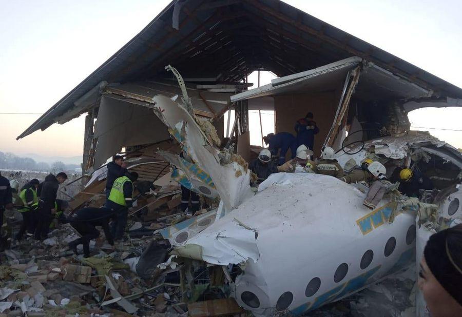 Kazakhstan : au moins 15 morts dans le crash d'un avion de ligne près d'Almaty