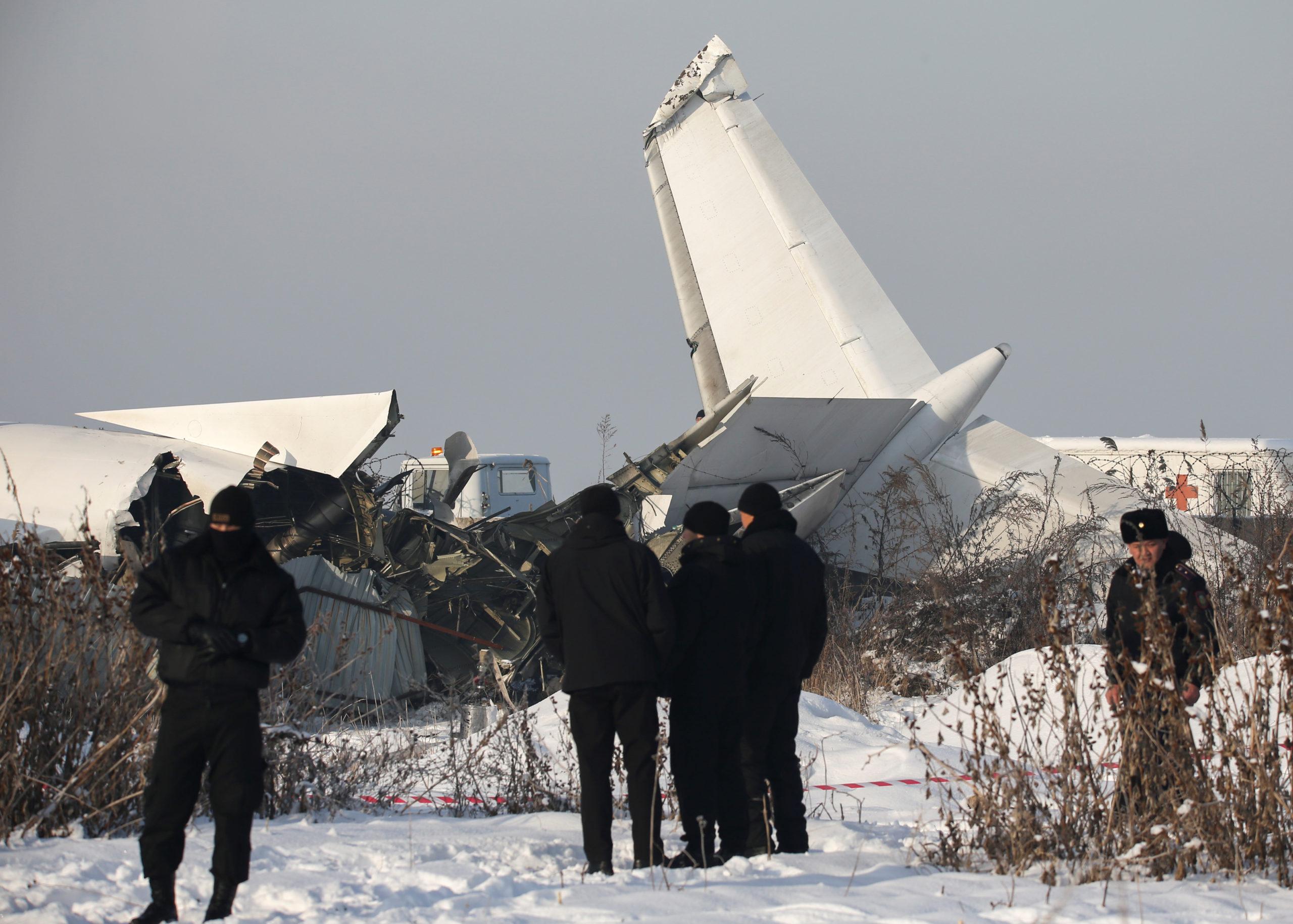 Le crash d'un avion de la compagnie Bek Air près de la métropole commerciale d'Almaty au Kazakhstan a fait au moins 15 morts, ont annoncé les autorités.