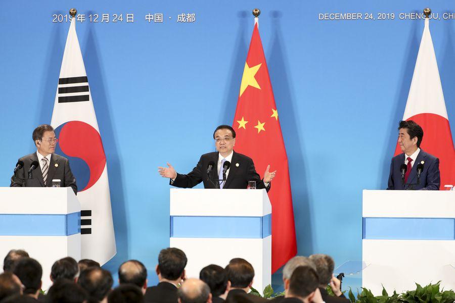 La réunion des dirigeants Chine-Japon-République de Corée renforce la confiance mutuelle et la coopération trilatérale