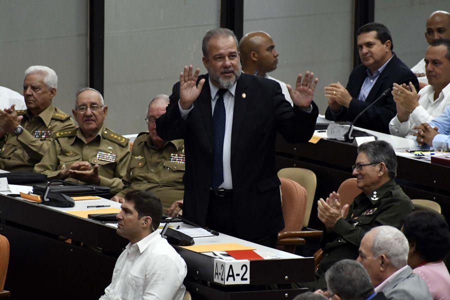 Manuel Marrero, le nouveau Premier ministre cubain (au centre), assiste le 21 décembre 2019 à une session de l'Assemblée nationale du pouvoir populaire au Palais des congrès de La Havane, la capitale de Cuba. (Xinhua/Joaquin Hernandez)