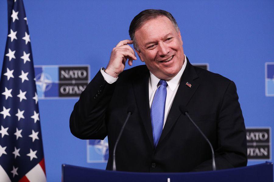 Le secrétaire d'Etat américain Mike Pompeo participe à une conférence de presse après la réunion des ministres des Affaires étrangères du Conseil de l'Atlantique Nord, au siège de l'OTAN à Bruxelles en Belgique, le 20 novembre 2019. (Xinhua/Zheng Huansong)