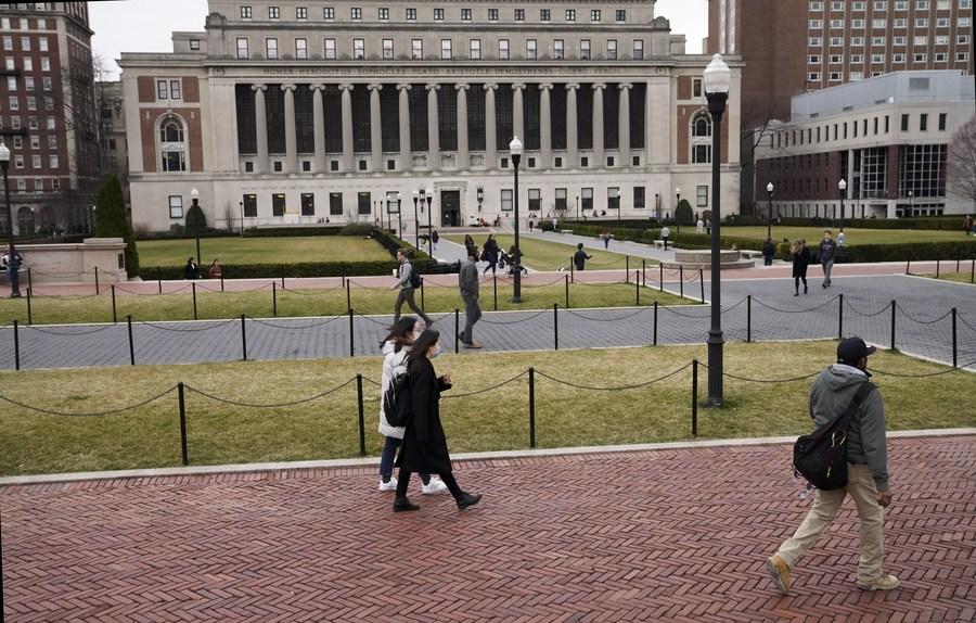Donald Trump encourage les universités à rouvrir malgré la pandémie de Covid-19