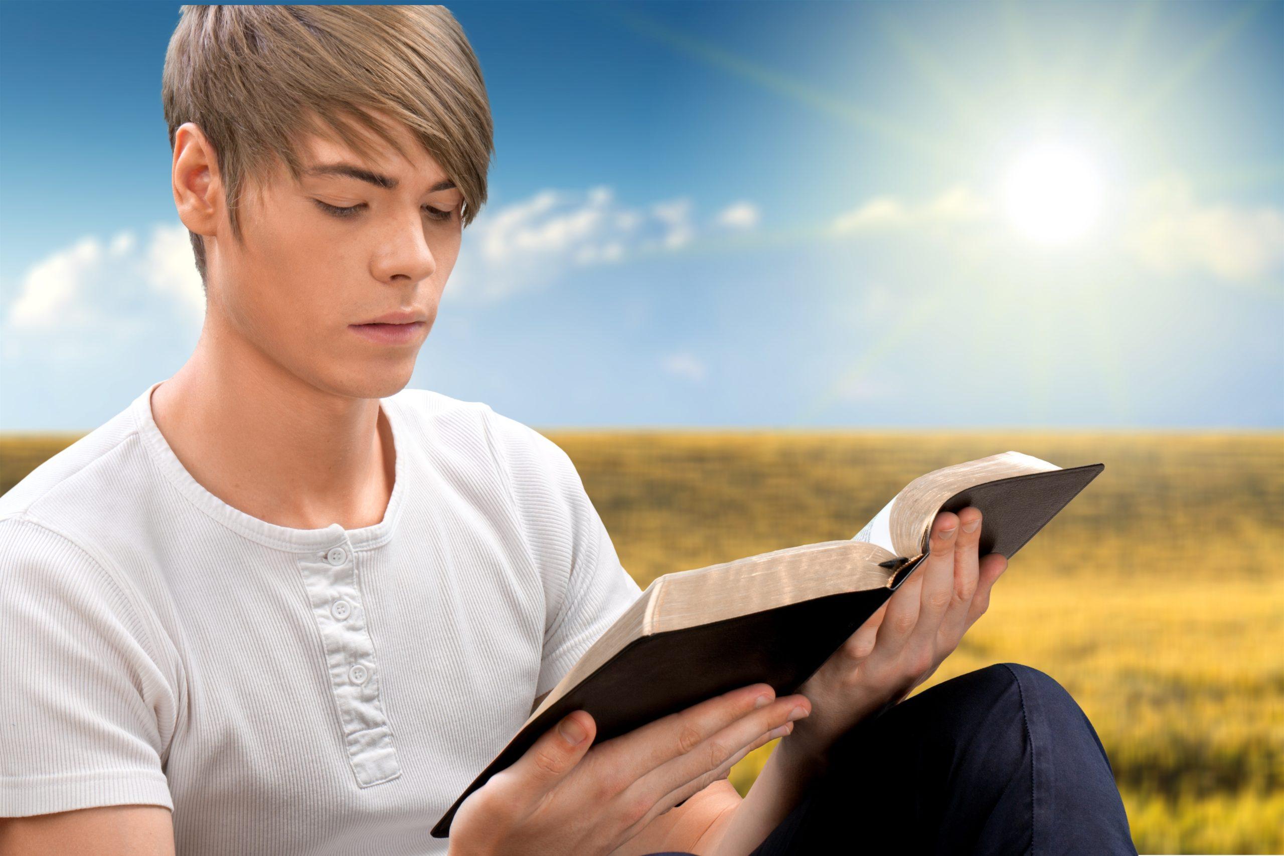 """""""La parole du Seigneur demeure éternellement"""" (1 Pierre 1:25)"""