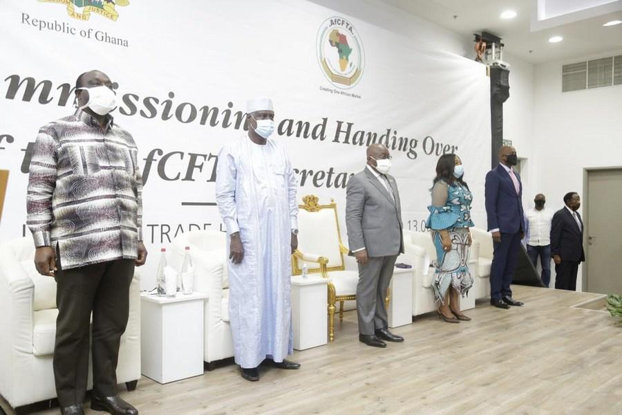 Le président ghanéen Nana Addo Dankwa Akufo-Addo remet le bâtiment du secrétariat de la ZLEC à l'UA