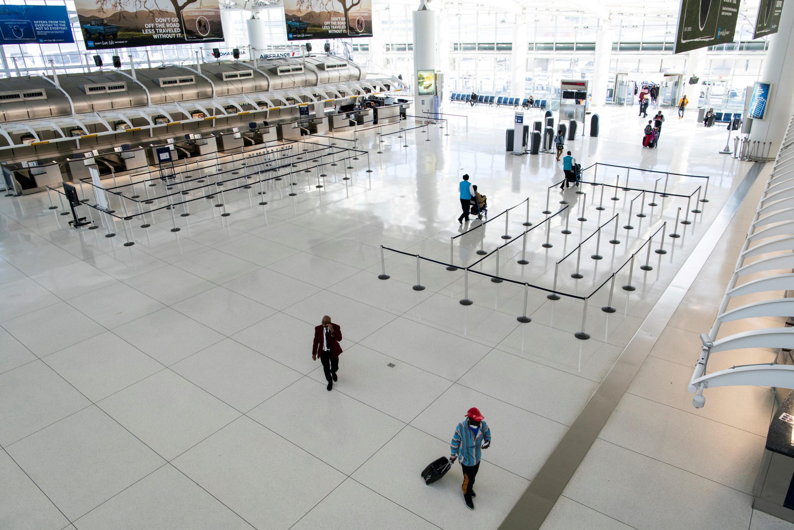 Covid-19: Les Etats-Unis vont mettre fin aux contrôles renforcés de certains voyageurs