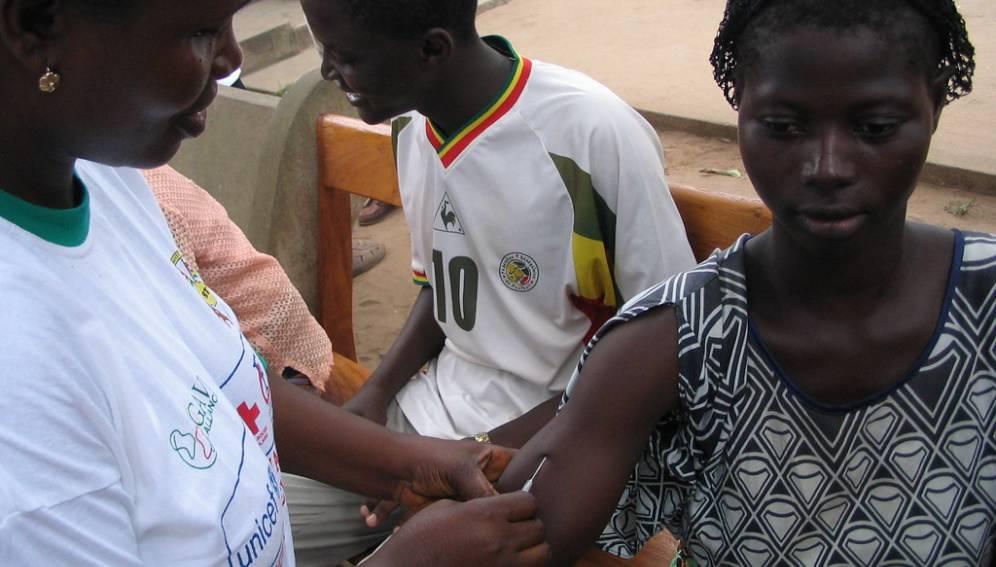 Cameroun : le diocèse d'Obala en opposition avec le Ministère de la santé publique à cause d'un vaccin administré aux jeunes filles dans les écoles