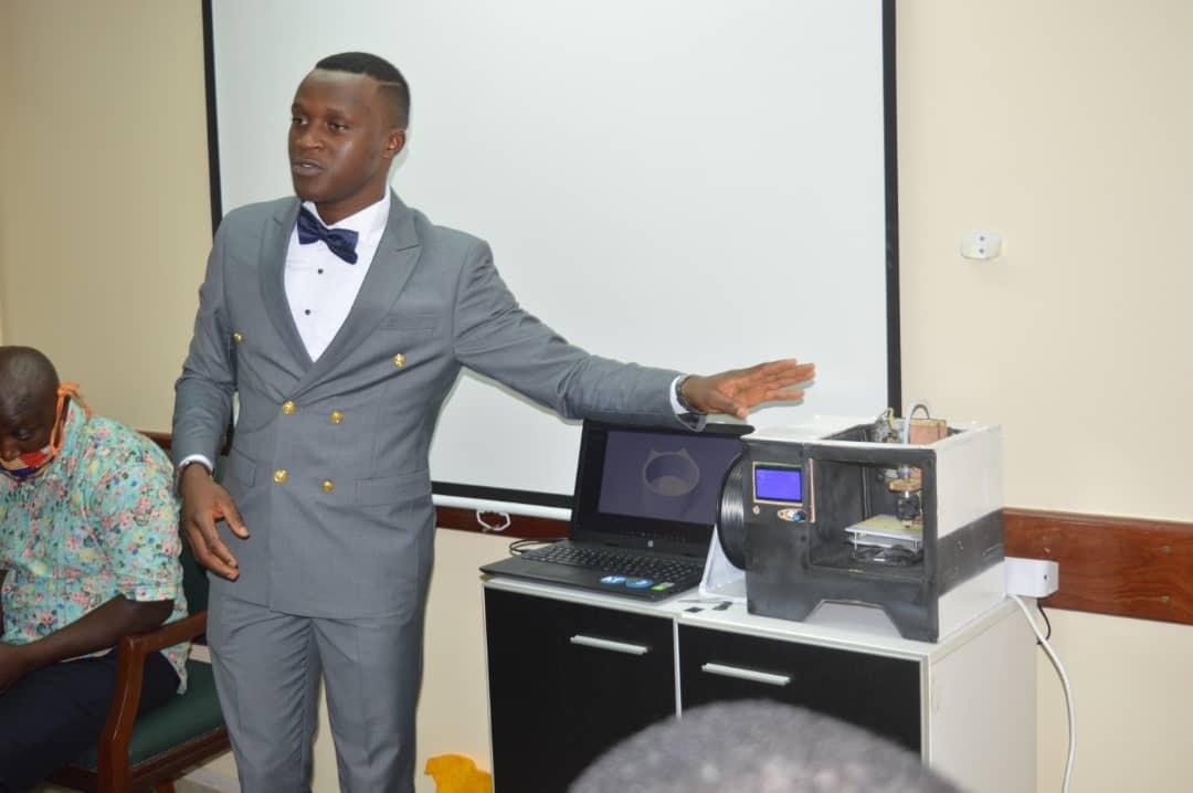 Cameroun : un jeune de 22 ans met sur pied une imprimante 3D à partir des déchets électroniques