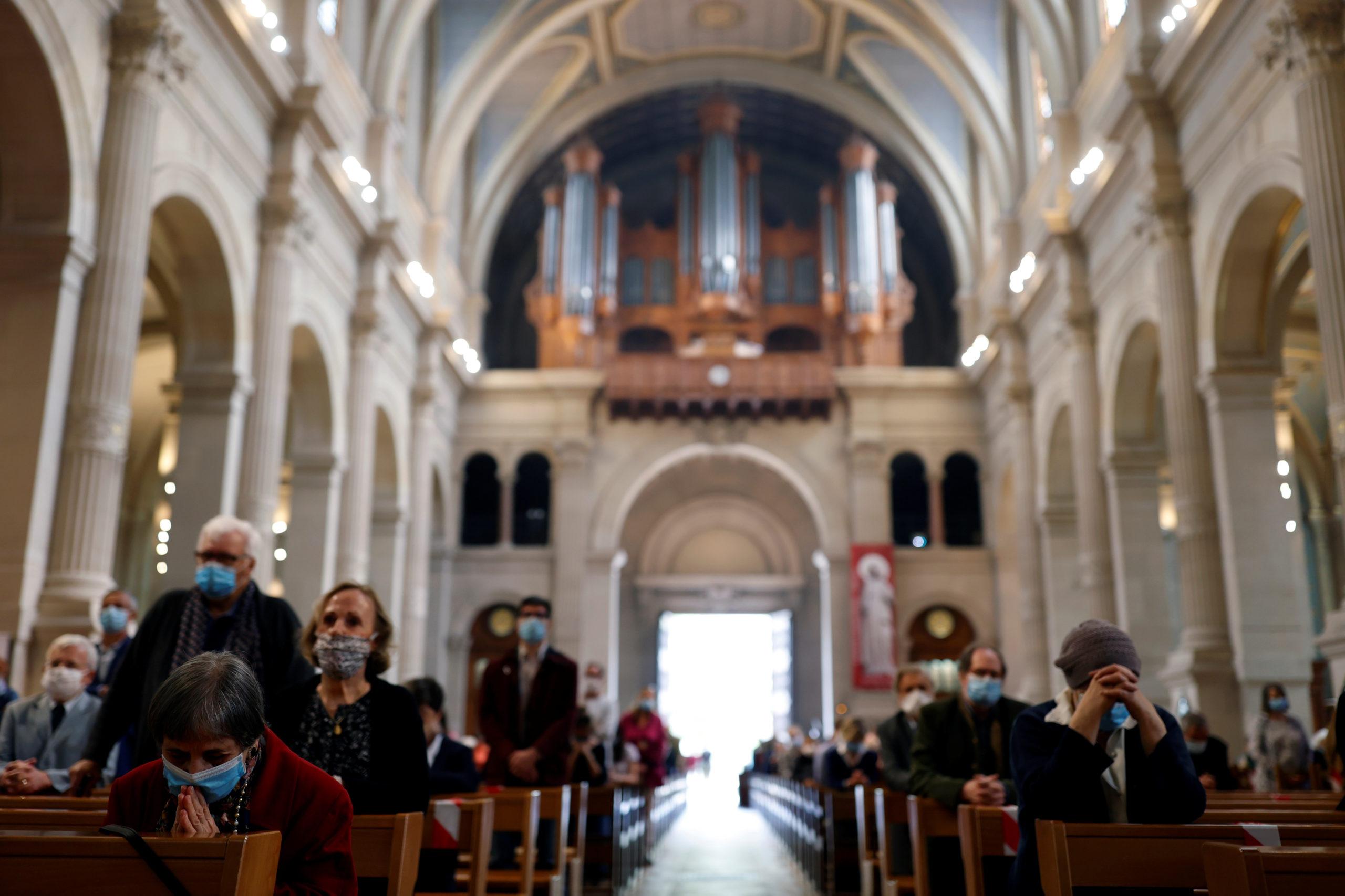 Cultes en France: Le conseil d'Etat demande de revoir la jauge de 30 personnes
