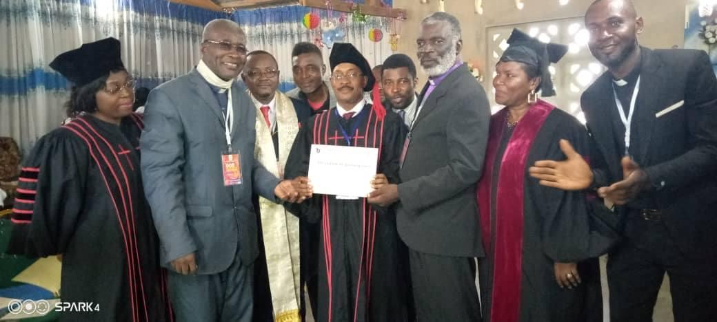 Cameroun : l'École des ambassadeurs de Dieu pour l'excellence dans la vie et le ministère s'enracine et crée de l'impact