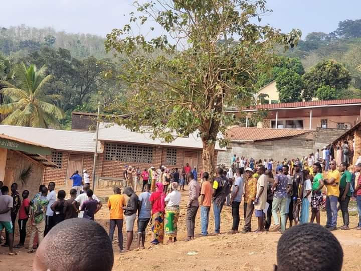 Les Centrafricains choisissent leur Président de la République entre 17 candidats