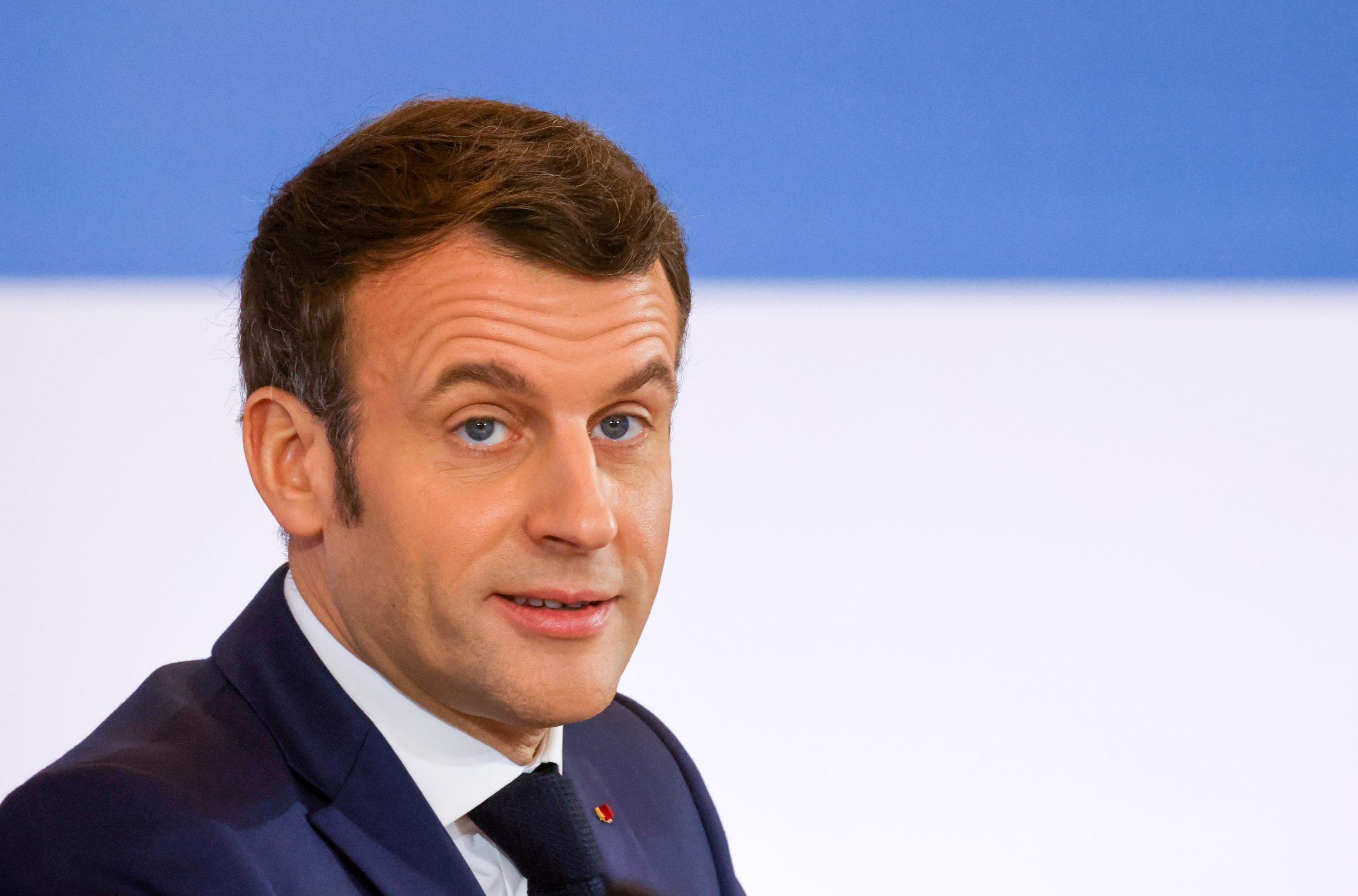 Prestation de serment: Emmanuel Macron félicite Joe Biden