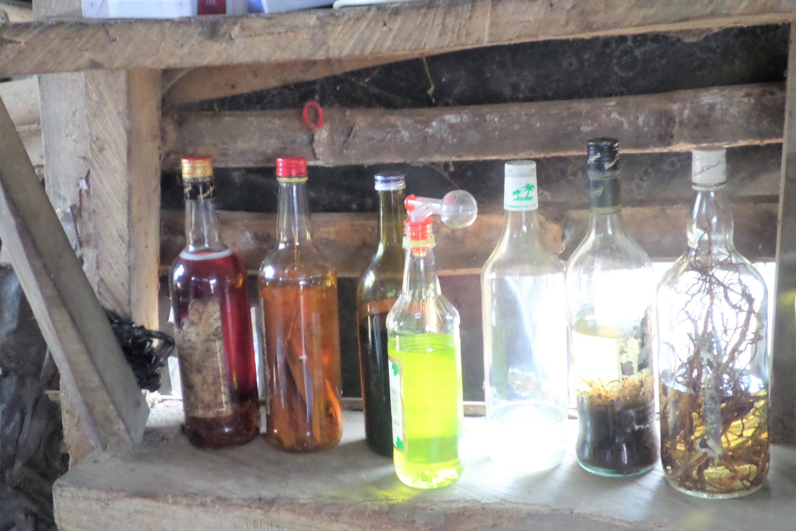 Cameroun : deux présumés fabricants de boissons frelatées interpellés par la gendarmerie à Douala