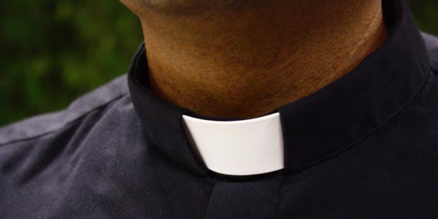 Cameroun : un curé face à des accusations de sorcellerie portées contre l'une de ses paroissiennes à Ngoumou