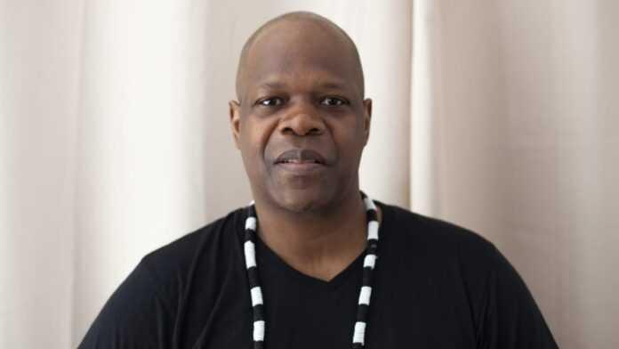 Cameroun : Amobé Mévégué, homme de médias camerounais, figure de France 24 et RFI, est décédé à l'âge de 53 ans