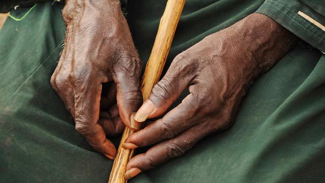 Cameroun: la Commission des droits de l'homme demande plus d'engagement à l'État pour la prise en charge des personnes âgées