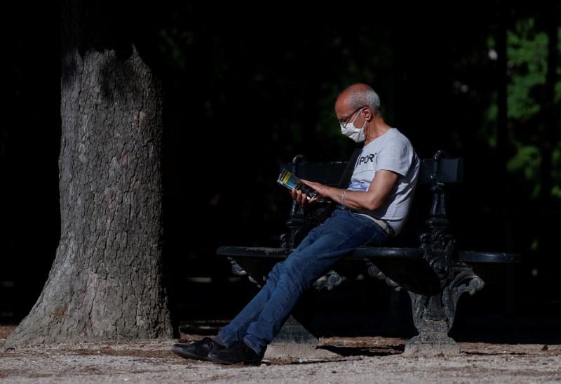 CORONAVIRUS: NOUVELLE BAISSE DES HOSPITALISATIONS ET DES ADMISSIONS EN RÉANIMATION EN FRANCE