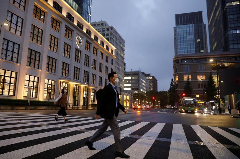 LE JAPON LÈVE L'ÉTAT D'URGENCE À TOKYO, RELANCE SUPPLÉMENTAIRE EN VUE