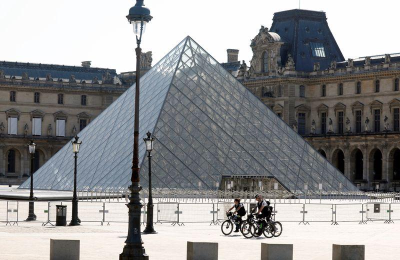 LE MUSÉE DU LOUVRE SE PRÉPARE À ROUVRIR LE 6 JUILLET