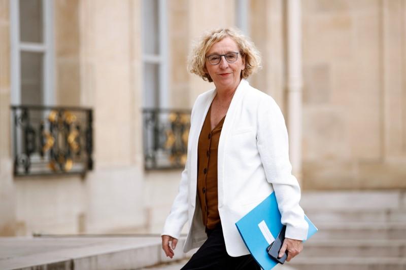 LE GOUVERNEMENT BONIFIE LES AIDES À L'EMBAUCHE DES APPRENTIS