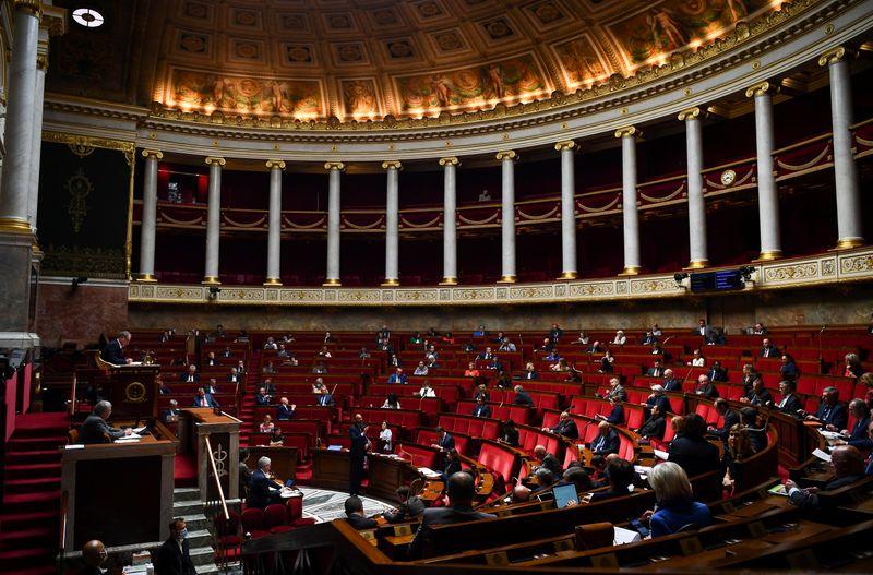 FRANCE: FEU VERT DES DÉPUTÉS À L'APPLICATION STOPCOVID