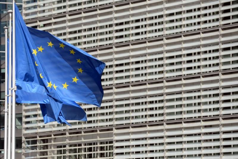 UNE TAXE EUROPÉENNE SUR LES ENTREPRISES RAPPORTERAIT JUSQU'À 10 MILLIARDS D'EUROS PAR AN, SELON LA COMMISSION