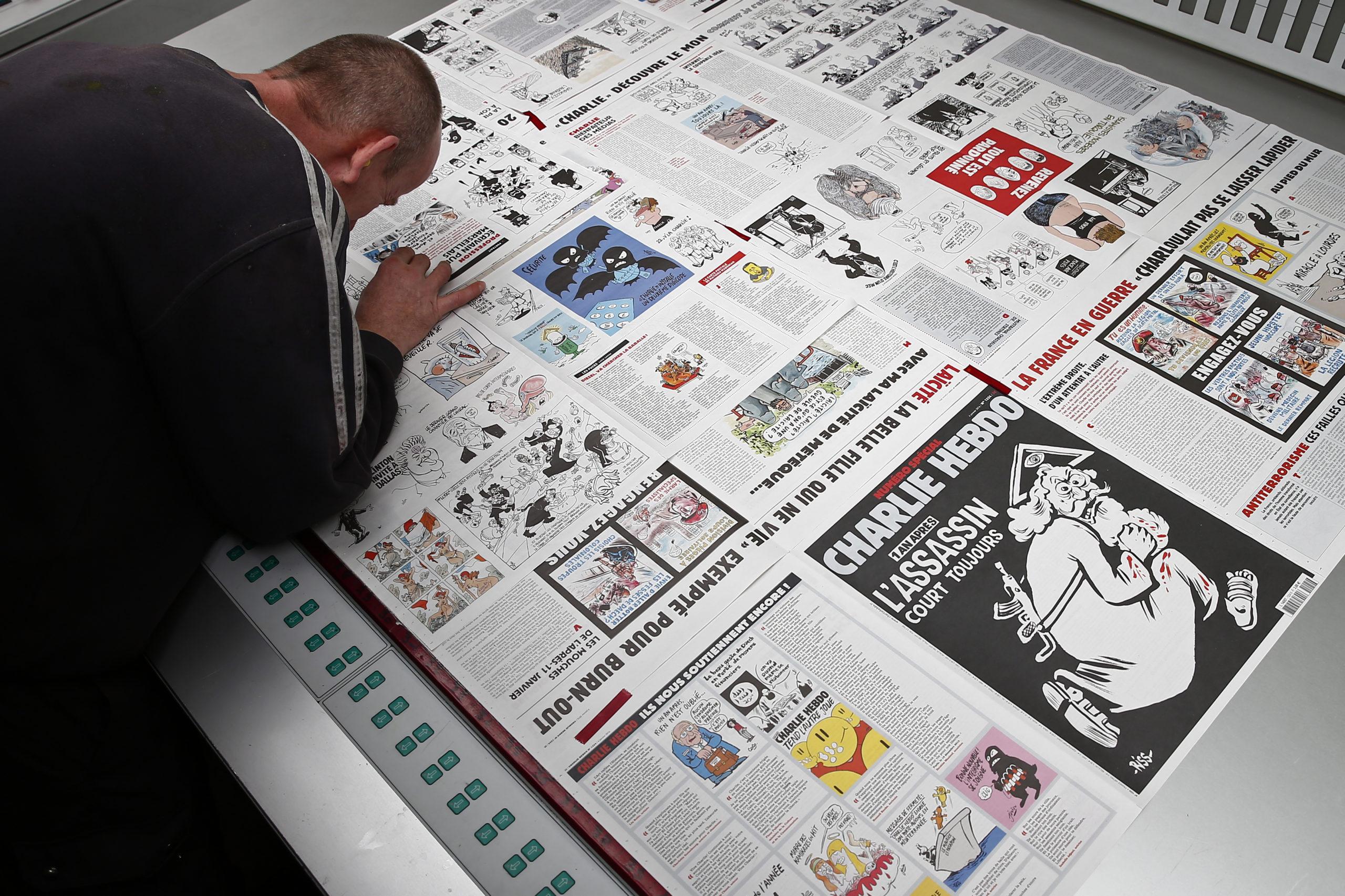 A Charlie Hebdo, la fin de l'insouciance, la reprise du flambeau