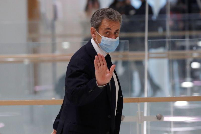 """""""Affaire des écoutes"""": Le procès de Nicolas Sarkozy suspendu jusqu'à jeudi"""