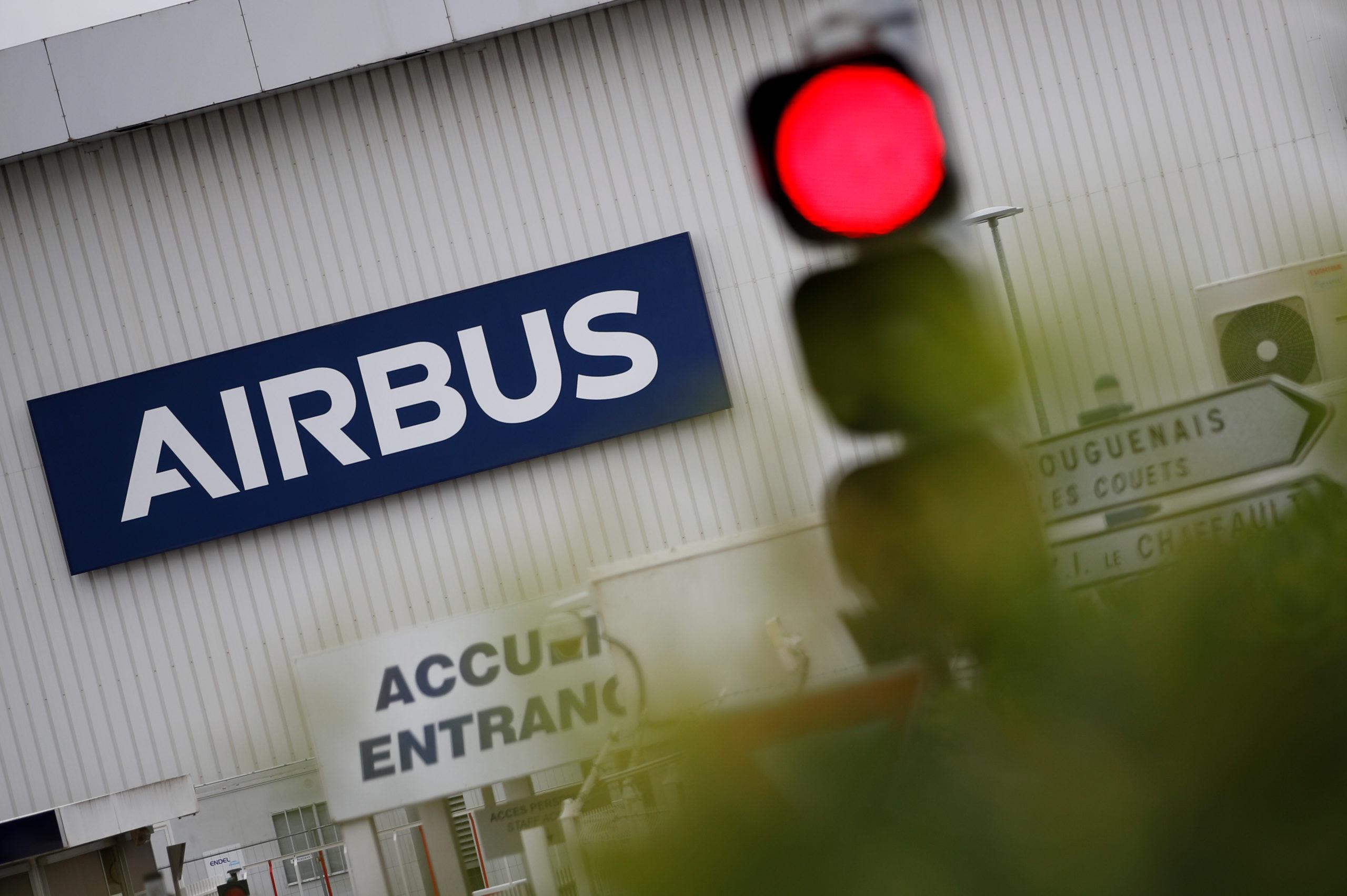"""Bercy juge """"excessif"""" le chiffre des suppressions d'emplois annoncées par Airbus"""