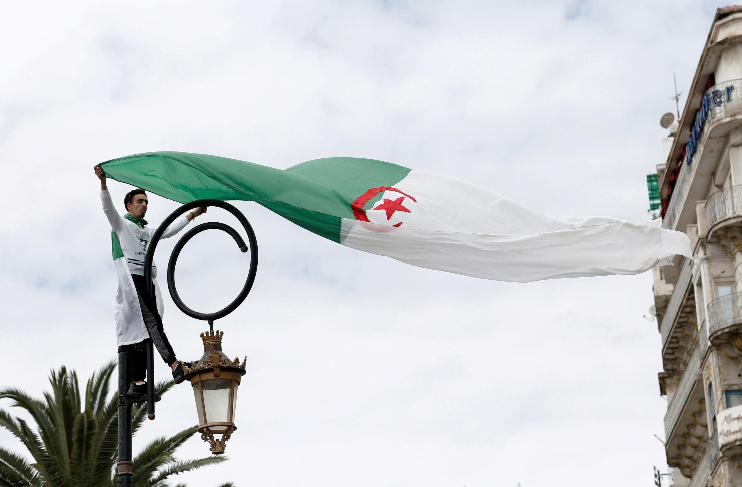 Algérie: Moins d'un électeur sur quatre a participé au référendum