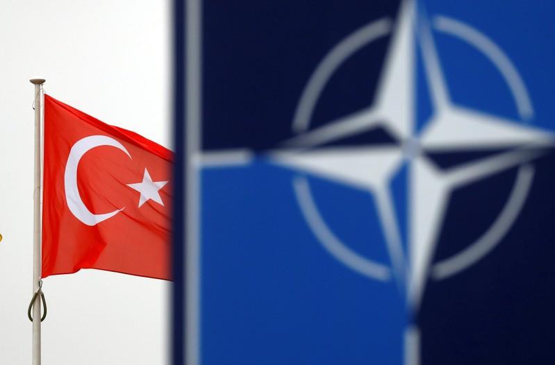 Ankara, dans l'attente d'un soutien sur la Syrie, bloque des plans de l'Otan