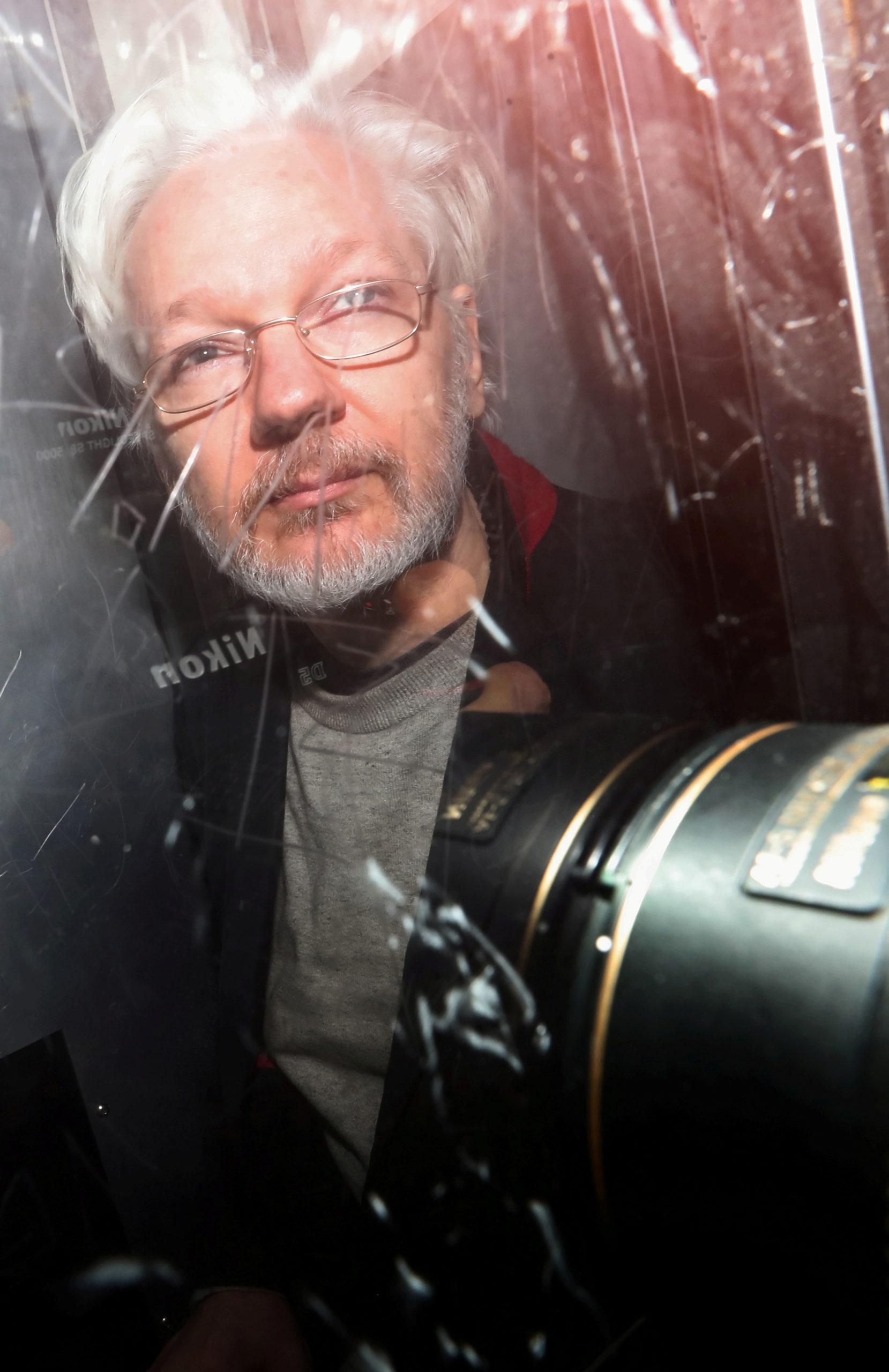Audience ajournée au procès en extradition de Julian Assange pour cause de coronavirus