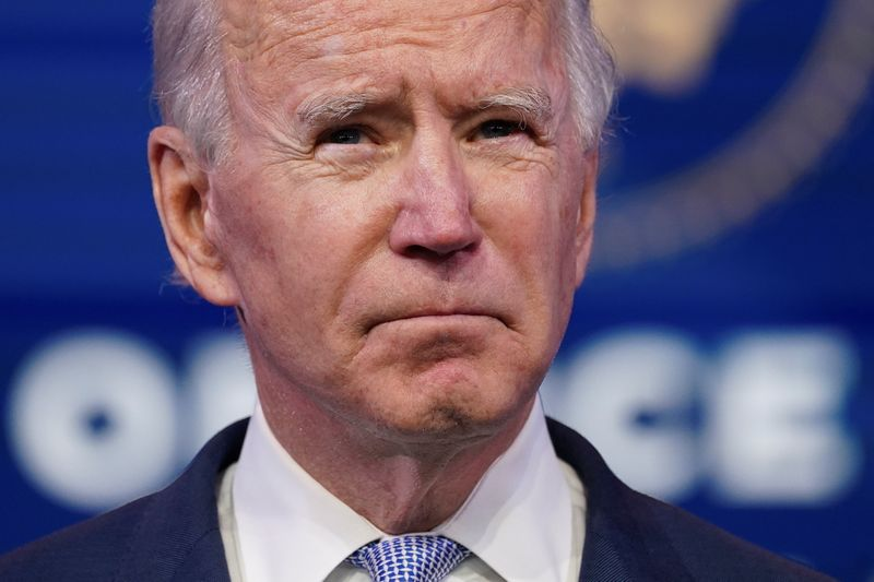 "Biden condamne une ""insurrection"" à Washington"