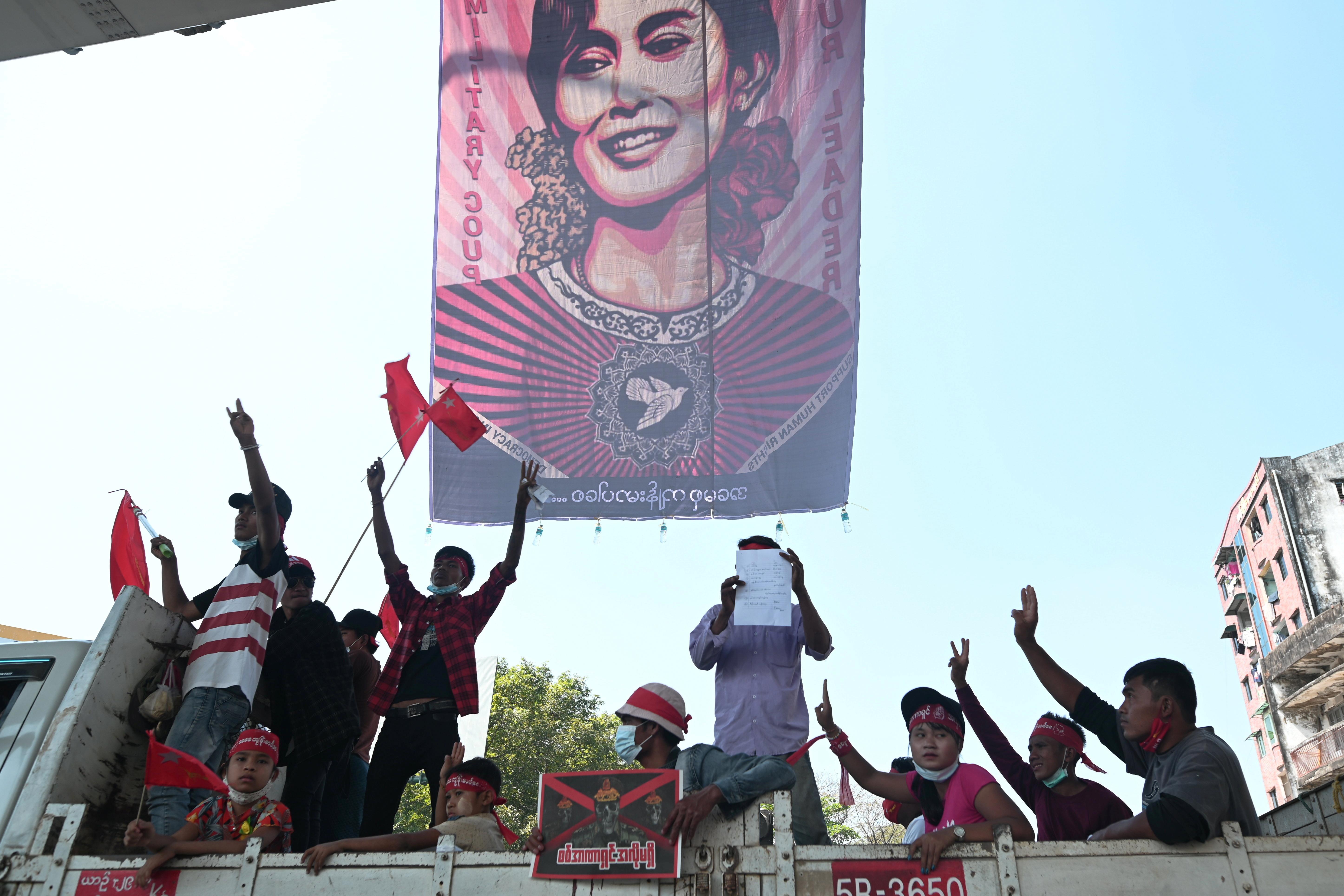 Birmanie: L'armée suspend des textes encadrant les forces de sécurité