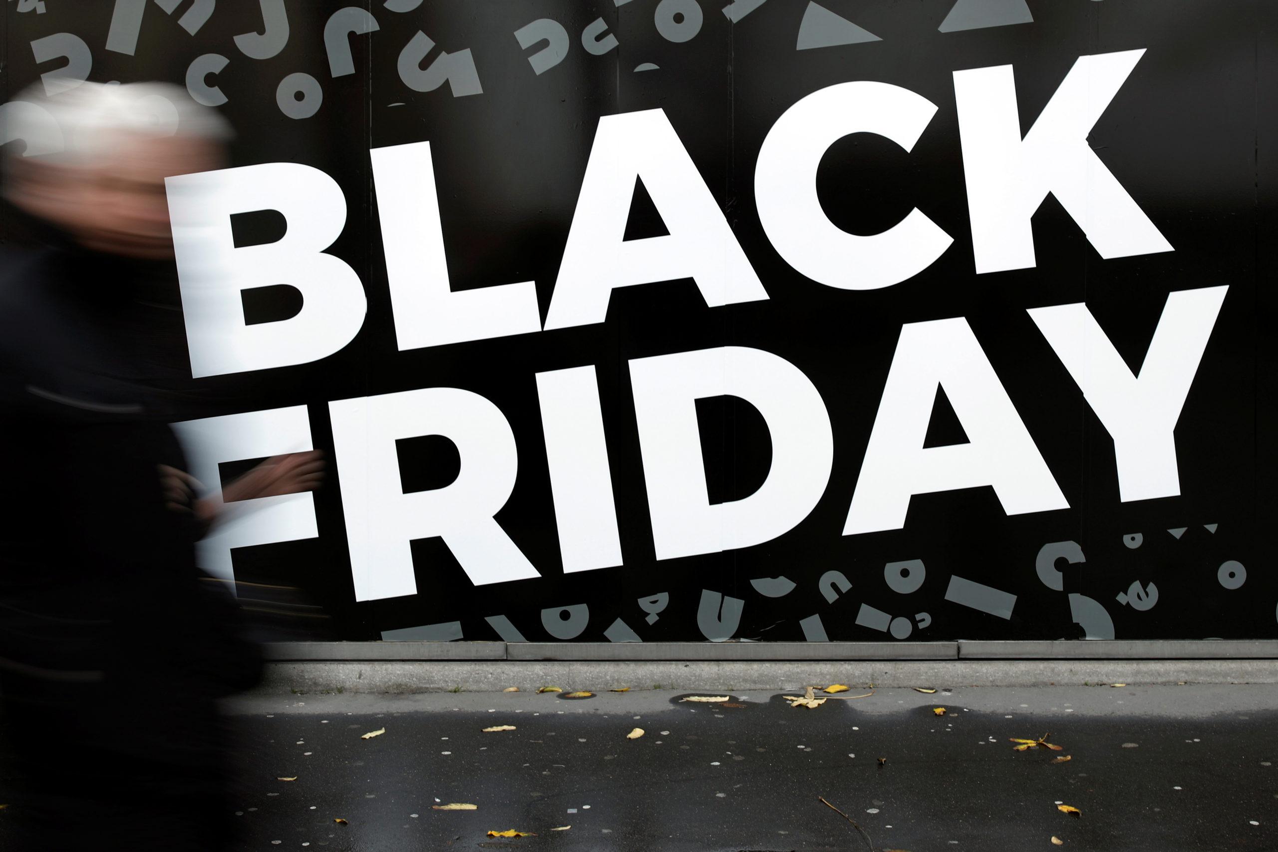 Le Black Friday reporté en France, la réouverture des commerces discutée