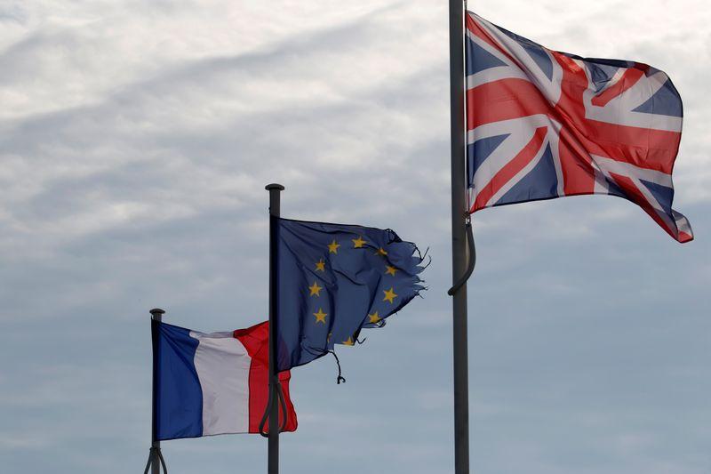 """Brexit: La France juge """"peu probable"""" un accord cette nuit"""