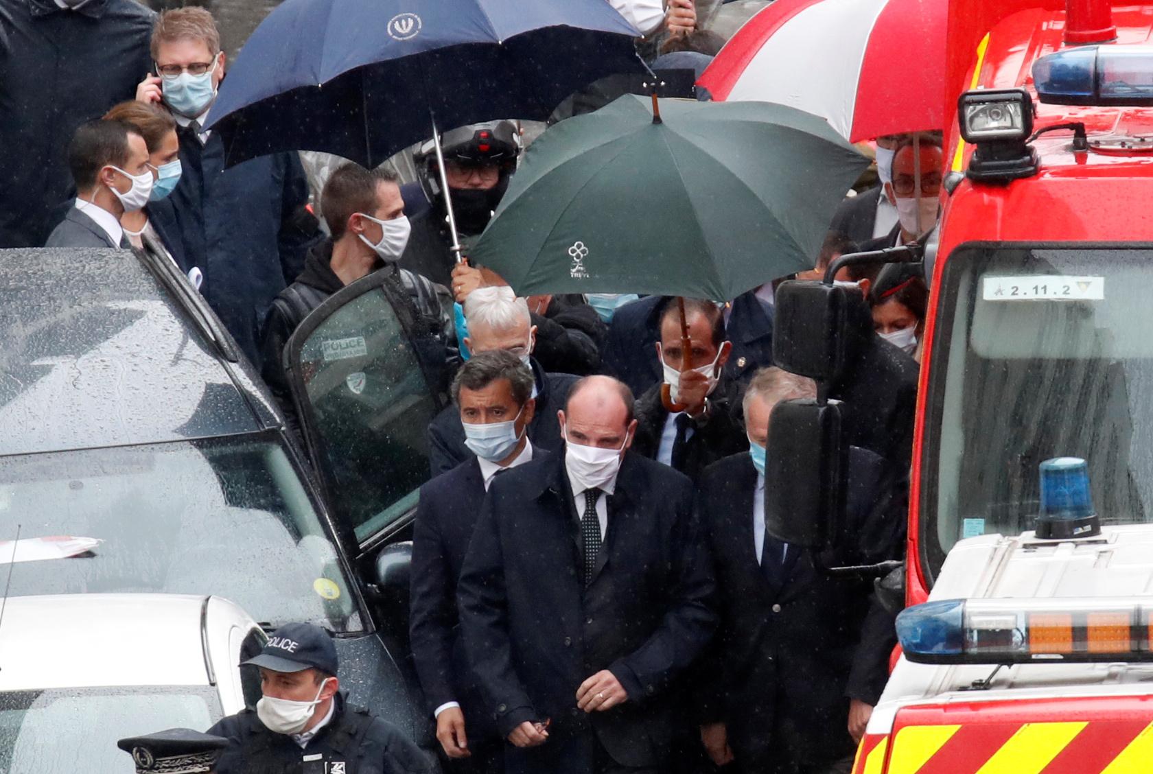 Castex et Darmanin sur les lieux de l'attaque à l'arme blanche à Paris