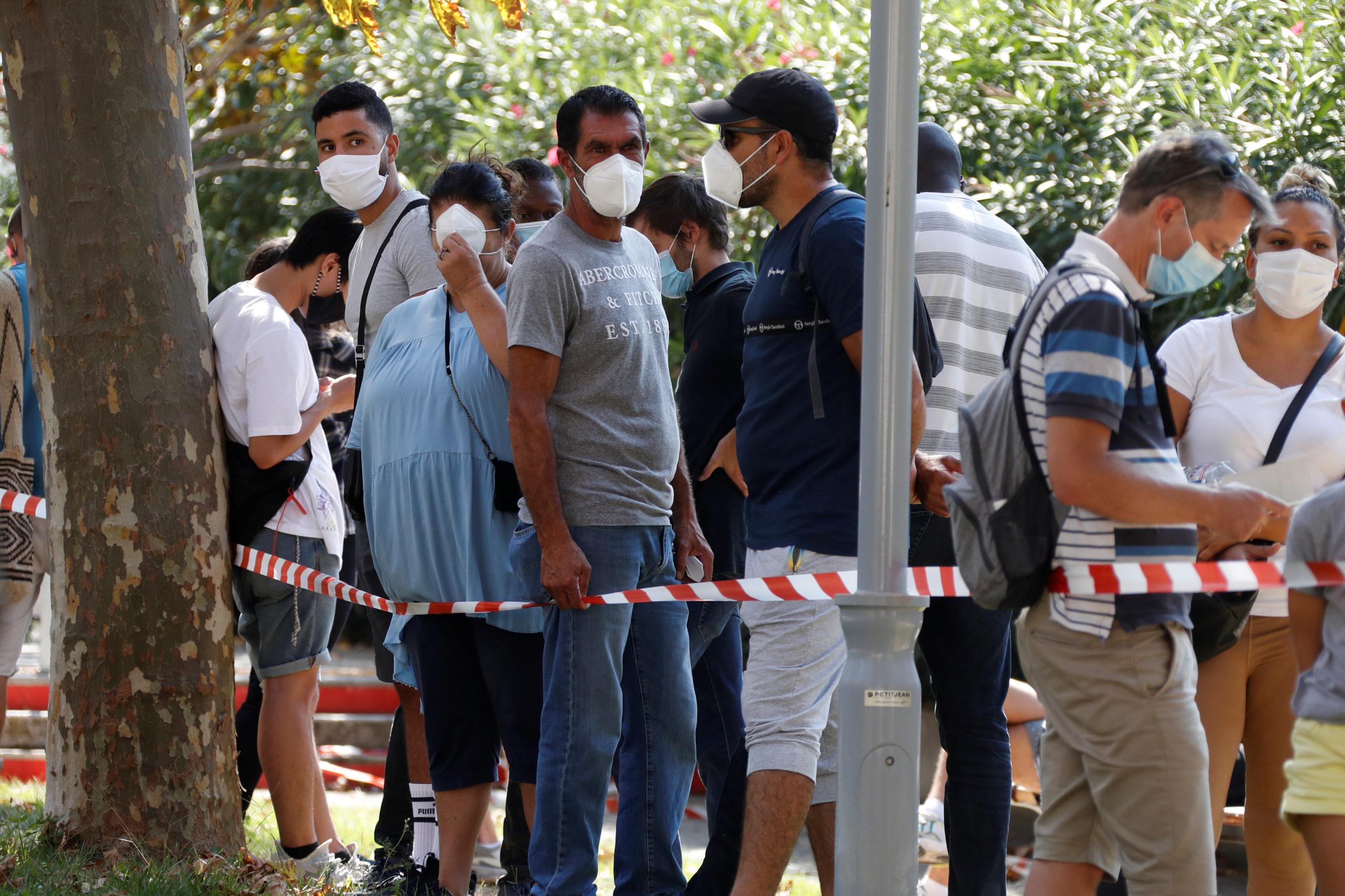 Coronavirus: 10.593 nouveaux cas en France, record quotidien
