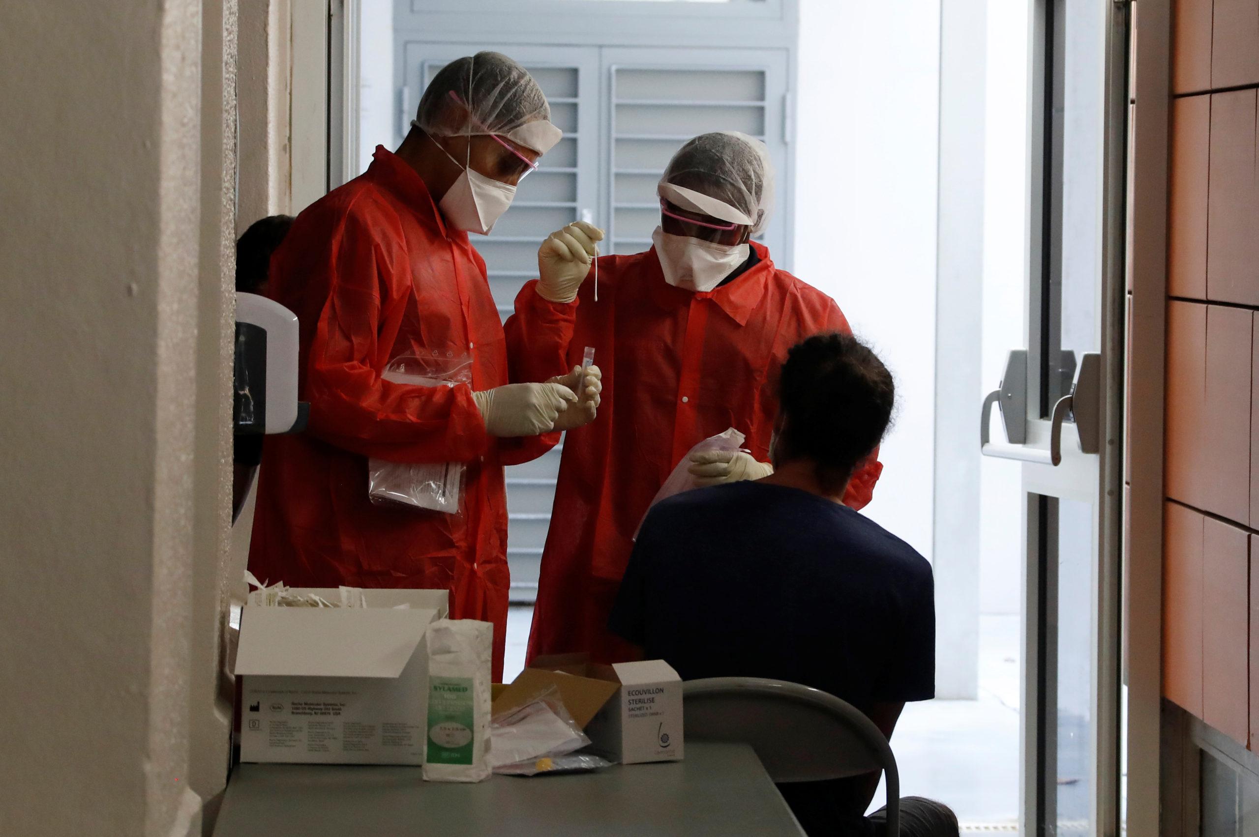 Coronavirus: 13.498 nouveaux cas en France, nouveau record quotidien